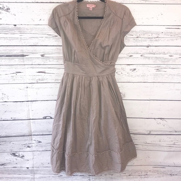 Ted Baker Dresses & Skirts - Ted Baker Grey/taupe Wrap dress size 4